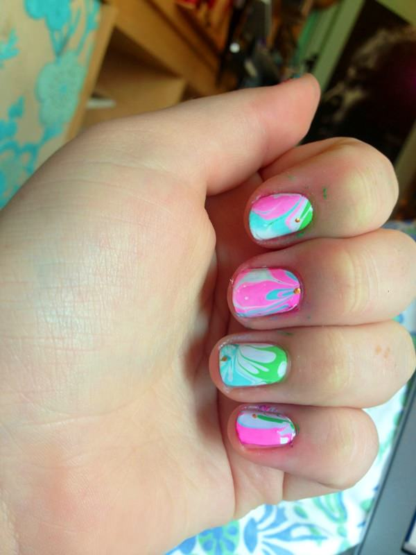 water-marble-nails